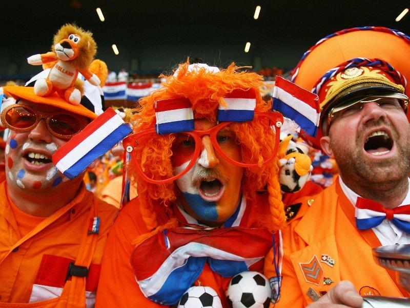 Dutch-football-fans
