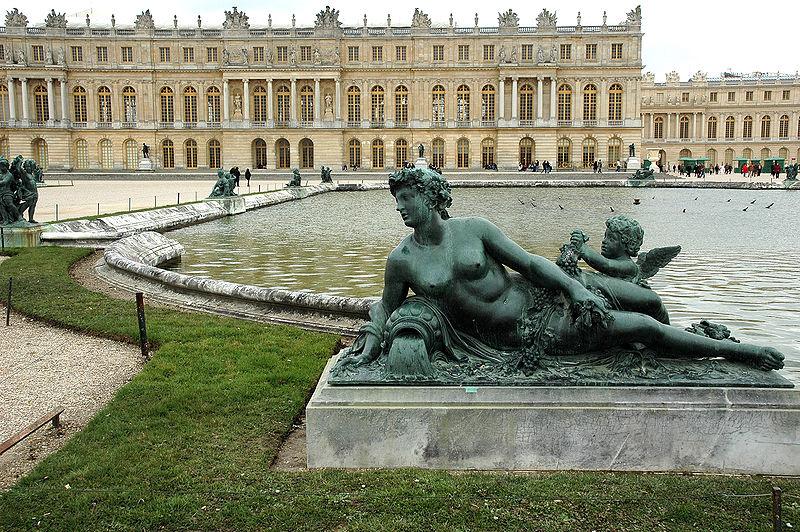 800px-Versailles-Chateau-Jardins-Sculpture