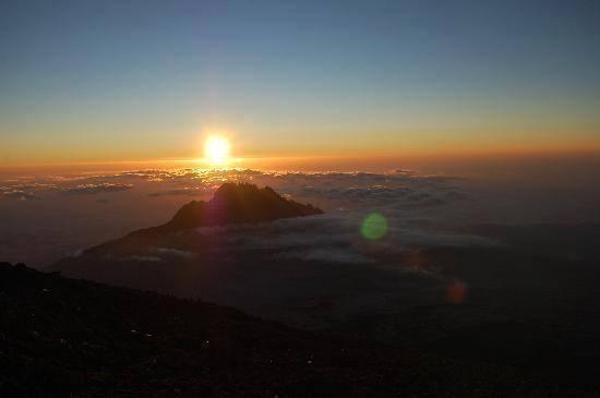 Пет пътувания, които ще запомниш за цял живот - килиманджаро