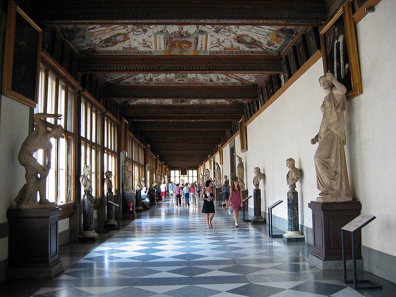 800px-Uffizi_Hallway