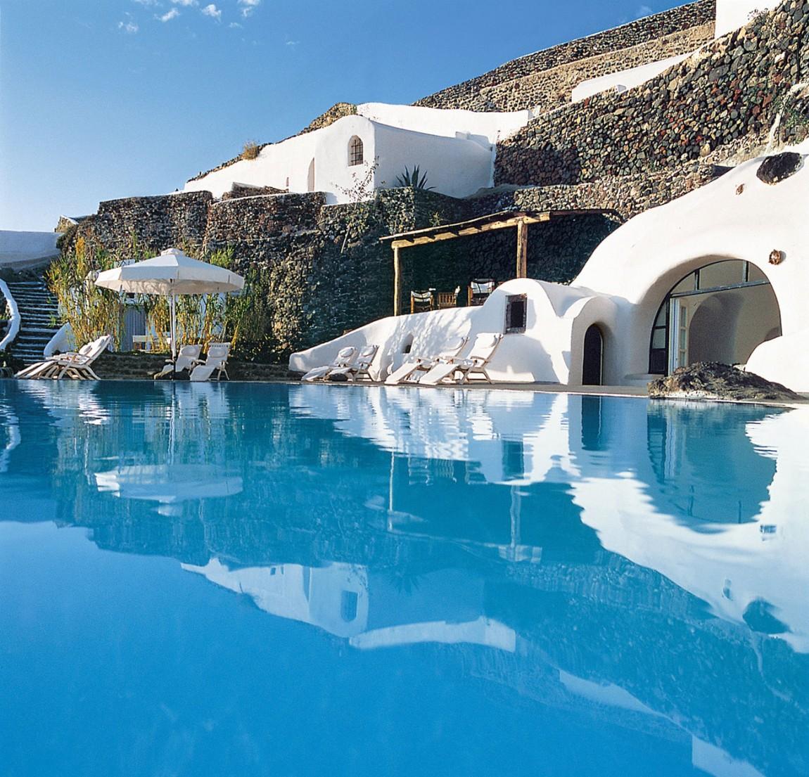 Perivolas Oia Hotel - да преразкажеш мистерията на Санторини