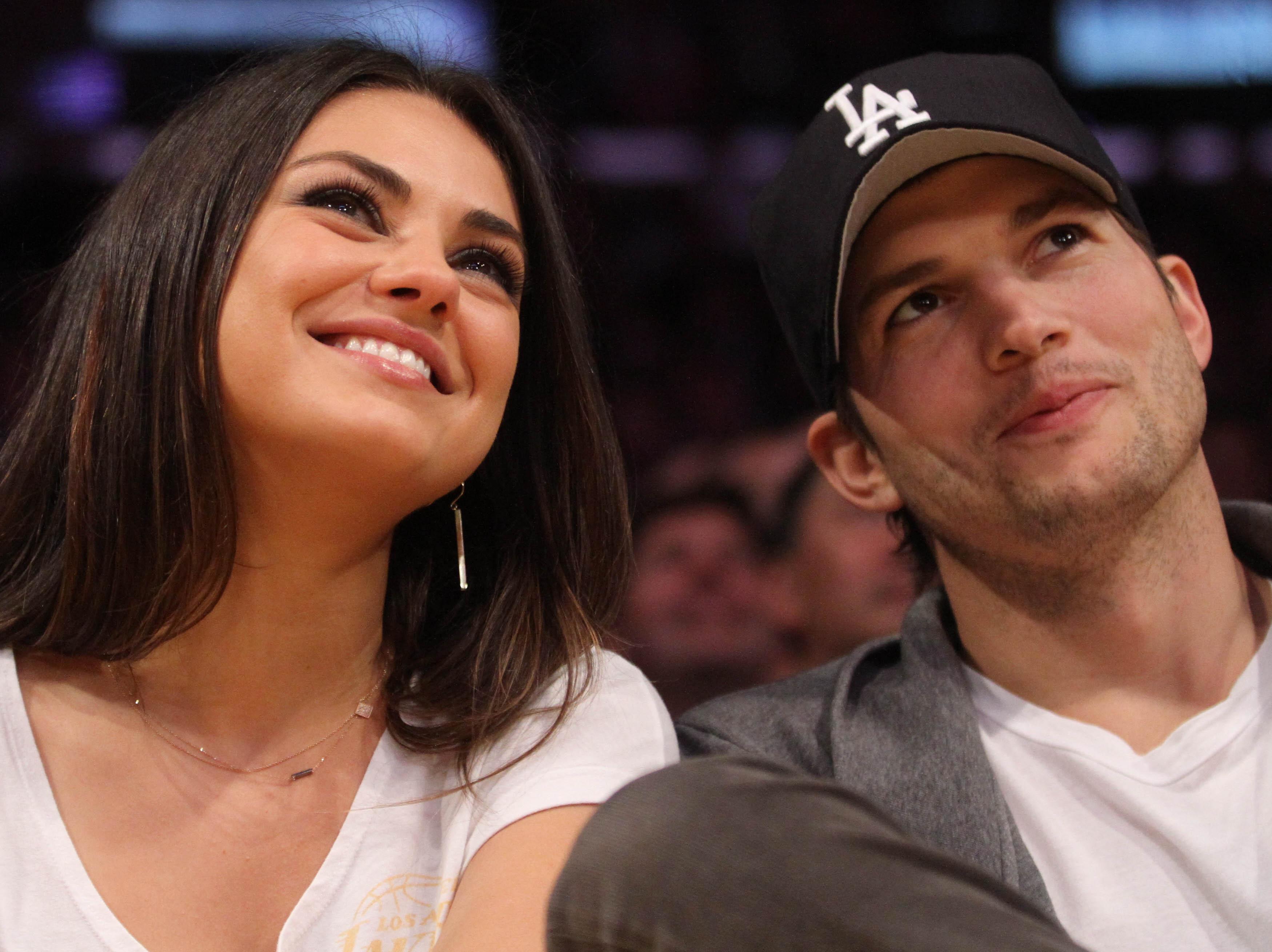 Mila-Kunis-et-Ashton-Kutcher-dans-Wonder-Twins-