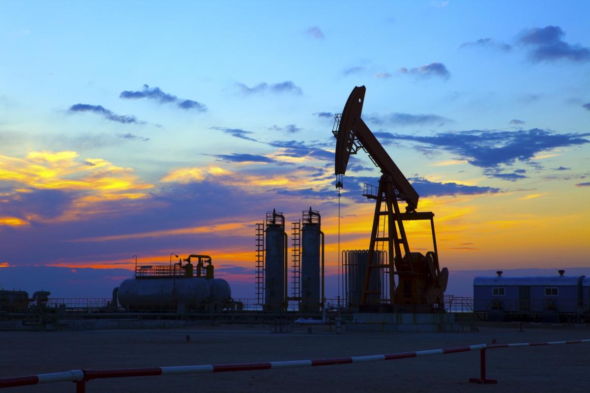 Цените на петрола се сриват - добра или лоша новина за световната икономика?
