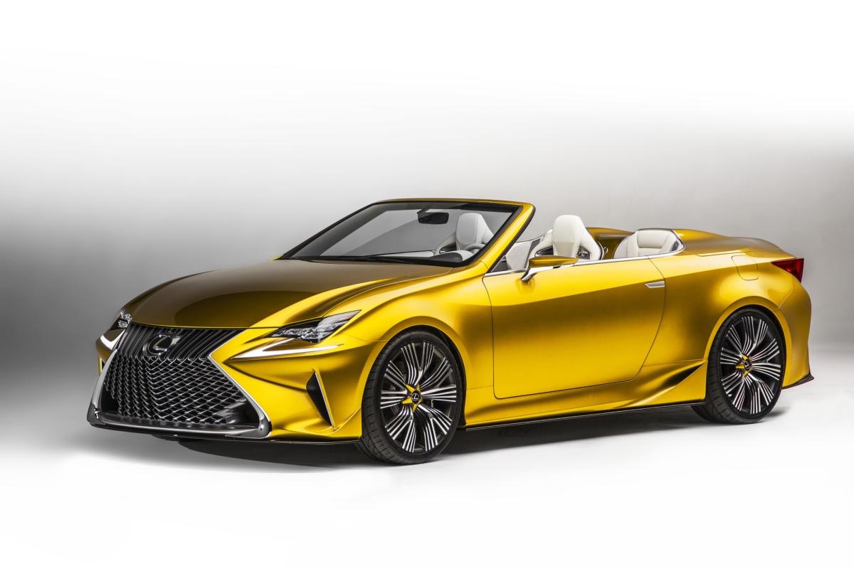 Завръщане в бъдещето със златния кабриолет на Lexus