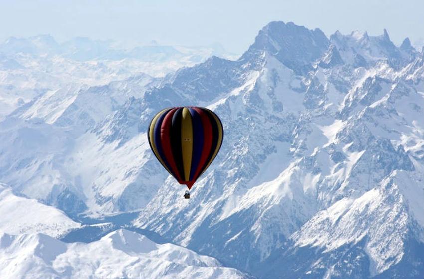 Експедиция с балон до връх Еверест – новият хит при пътуванията