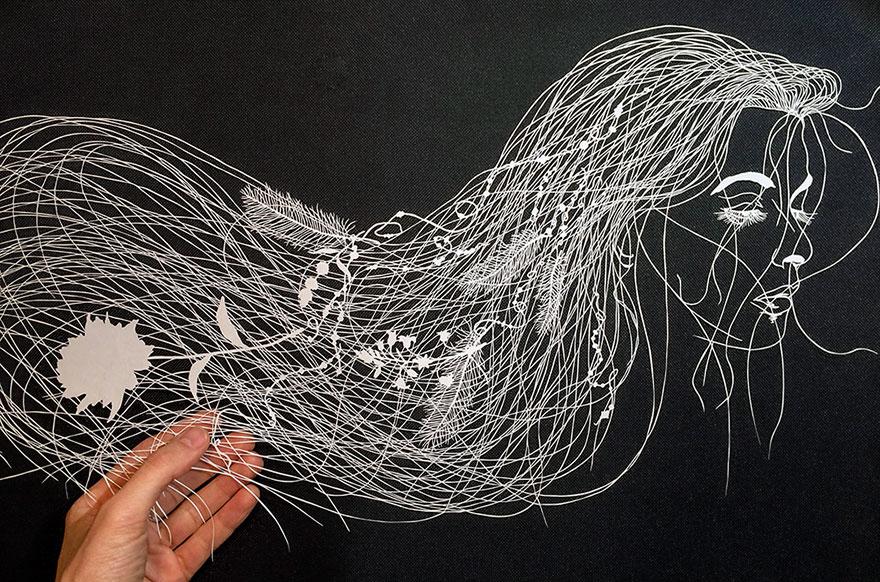 Невероятните детайли от хартия на Мод Уайт