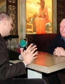 Легендата на Манчестър Алекс Степни пристигна в България