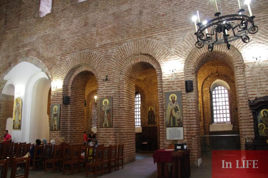 Православната църква чества Свети мъченици Хрисант и Дария