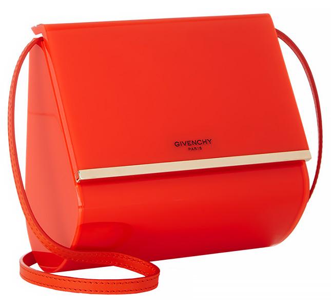 """""""Кутията на Пандора"""" от оранжев плексиглас"""