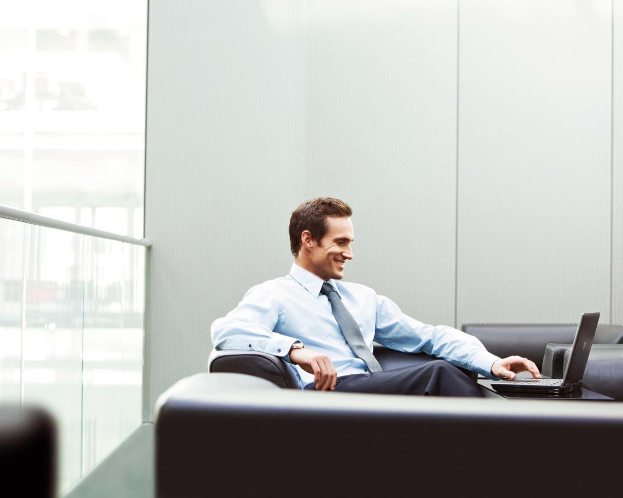 Бизнесмен в офиса