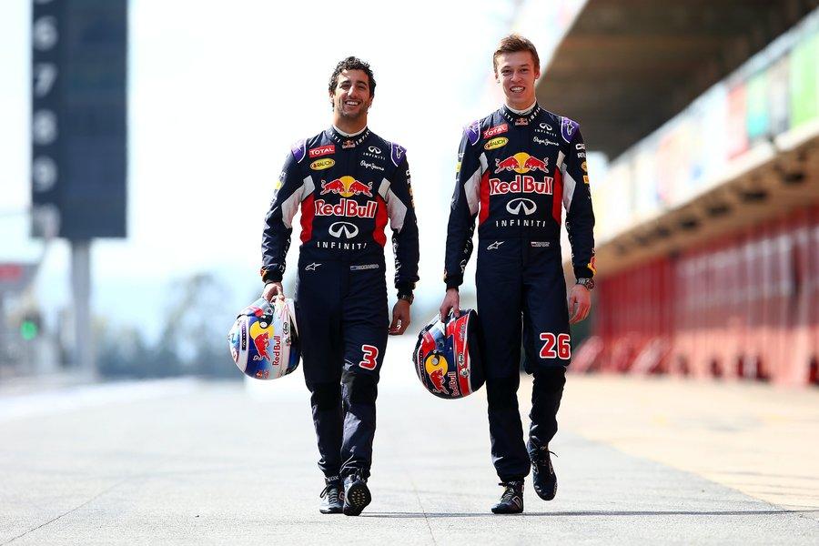 """Двамата пилоти на """"Ред Бул"""" за 2015 г. - Даниел Рикардо и Данил Квят."""
