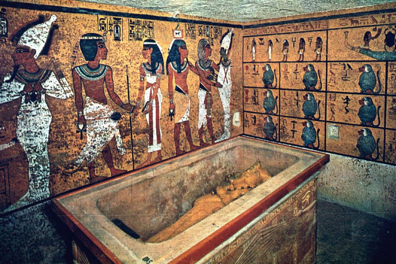 Само можем да гадаем какви ли още съкровища крие гробницата на древния фараон...