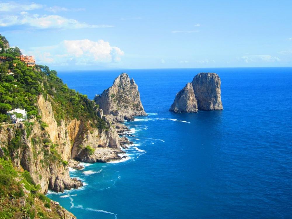 347810-R3L8T8D-1000-capri-island-1434-5