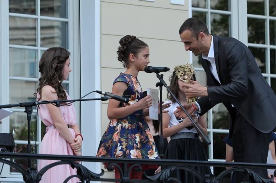 Бербатов отново издирва талантливите деца на България