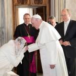 Принц Албер II на Монако и принцеса Шарлийн са на официално посещение във Ватикана