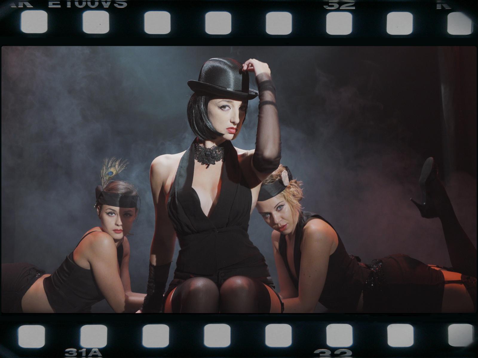 3.Dessy Cabaret1