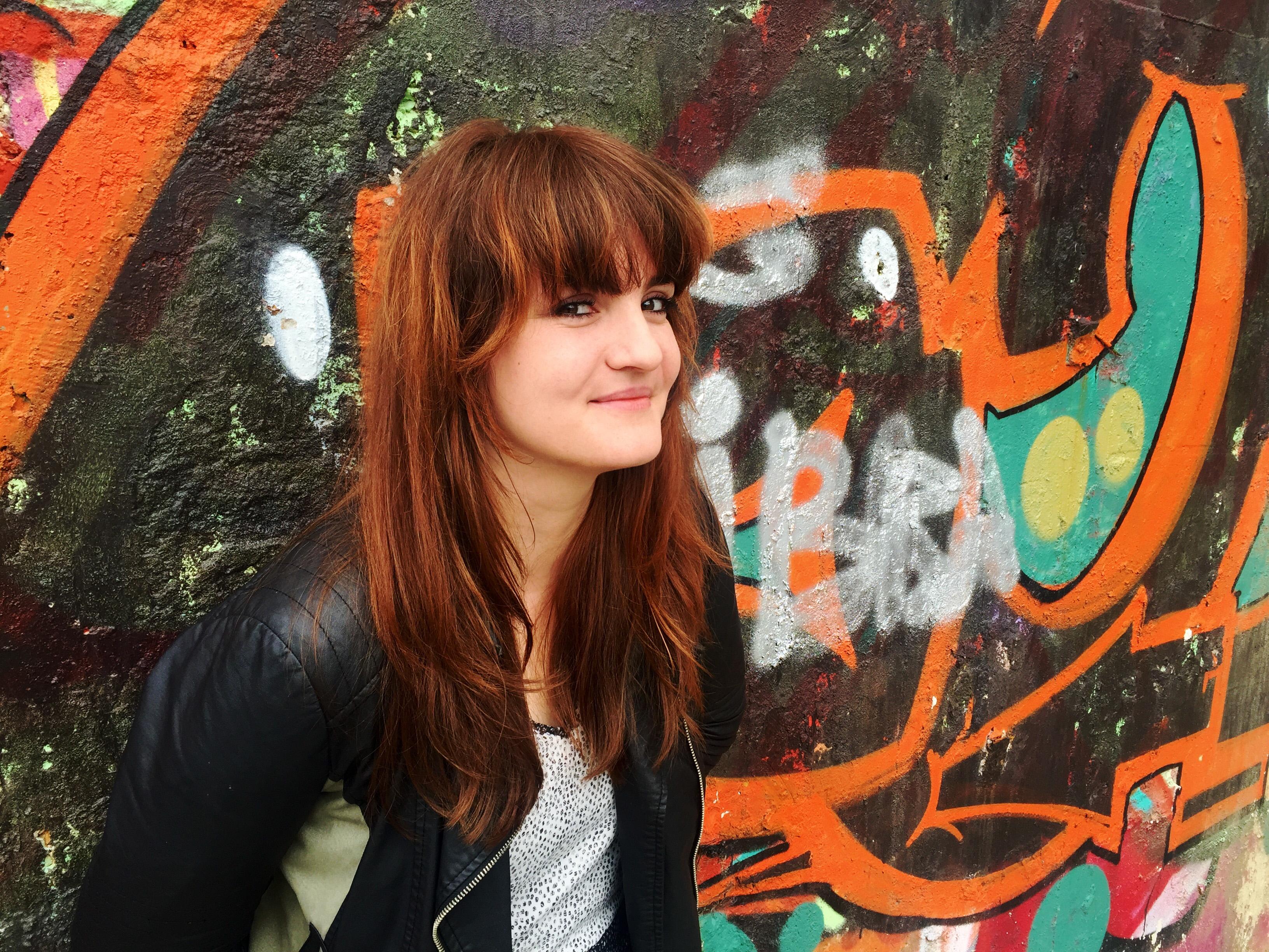 2.Nora Ampova2