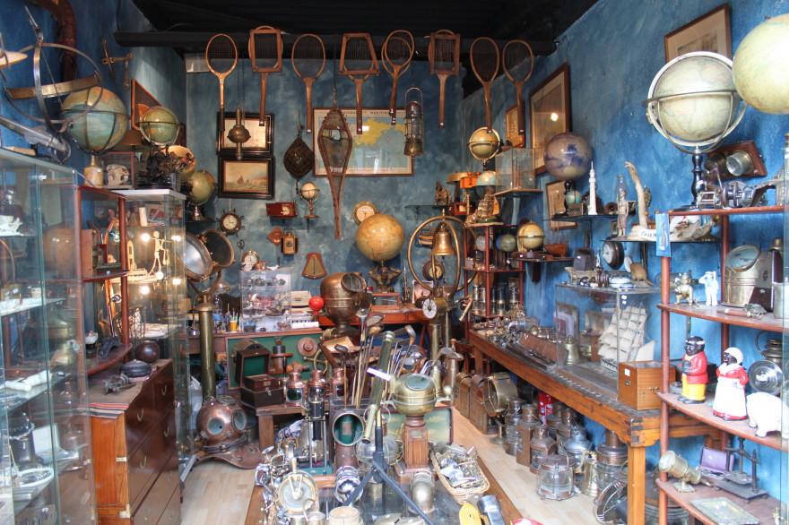 My favorite shop at the e marché aux Puces.