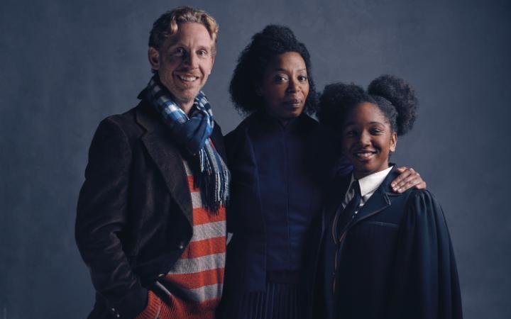 """Рон Уизли, Хърмаяни Грейнджър и Роуз Грейнджър-Уизли в """"Хари Потър и прокълнатото дете"""""""