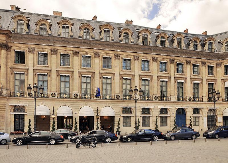 800px-Hôtel_de_Crozat