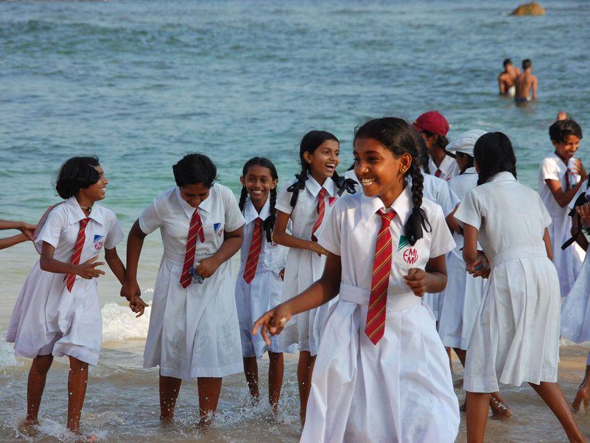http---mashable.com-wp-content-gallery-school-uniforms-from-around-the-world-sri-lanka