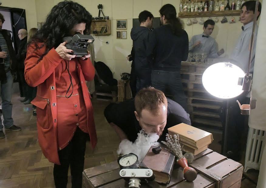 Българският конкурсен хъб Voubs.com ще раздаде 41 000 евро на най-добрите фотографи от цял свят на бляскава церемония през март 2017-а.
