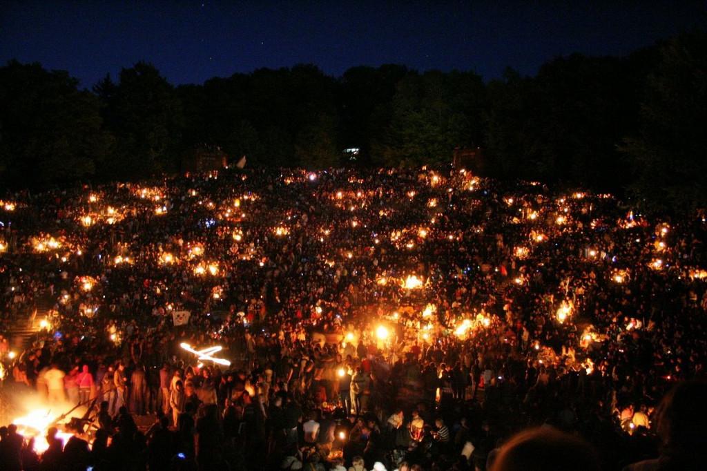Съвременно празнуване на Валпургиевата нощ / снимка: wikimedia.org