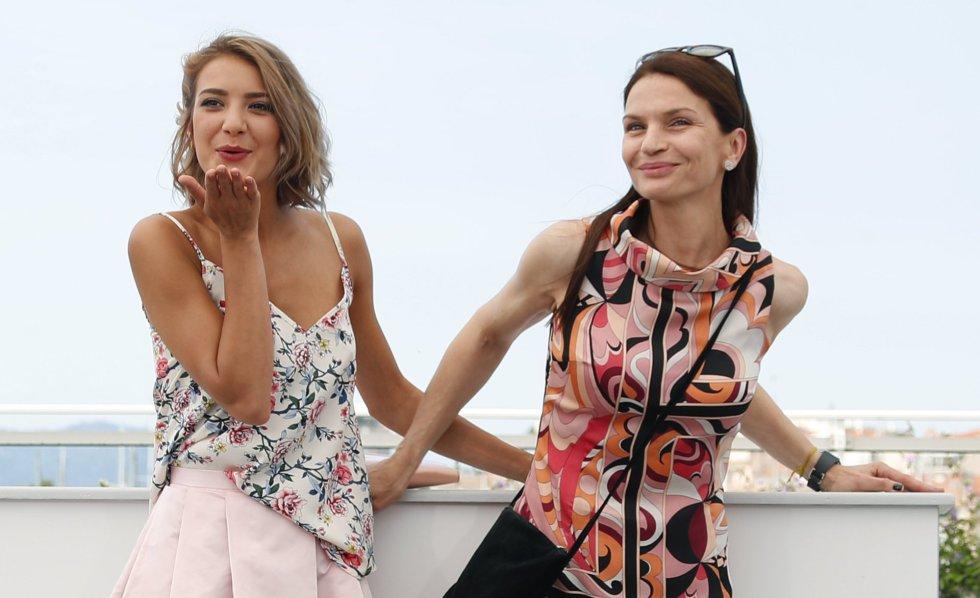 Борислава Стратиева и Ирини Жамбонас в Кан / снимка: elpais.com