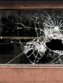 broken-1391025_1920