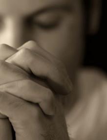 man-praying-648x361