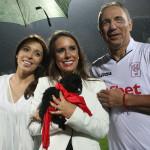 Христо Стоичков с двете си дъщери - Мика и Христина/снимка: Sporta;