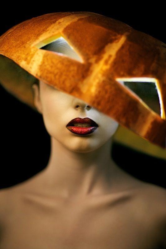 d97fa0ee3463bb4a05d0ee6493ca94c1--halloween-hats-halloween-fashion