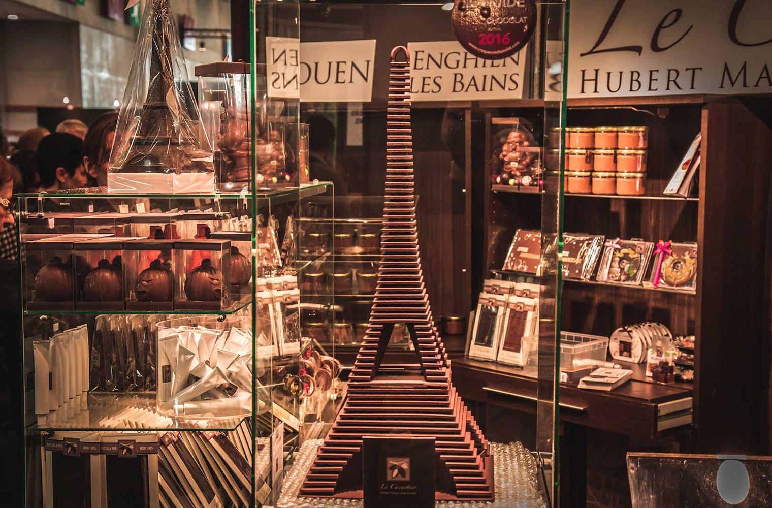 Салон на шоколада пред Версайския дворец