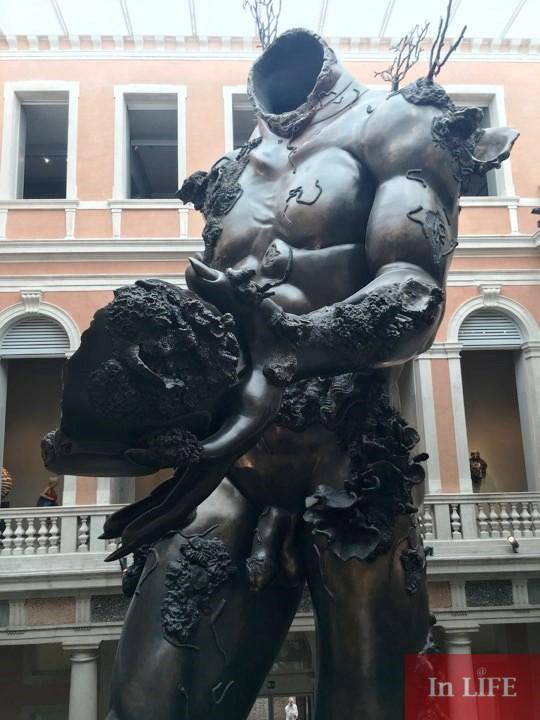 Демонът на чашата, Съкровищата на кораба Невероятни, Деймиън Хърст, Венеция