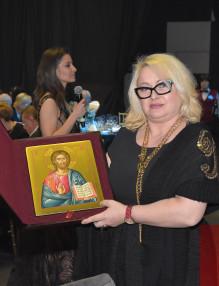 Весела Барбукова закупи икона от личната колекция на Митрополит Антоний на благотворителния търг на LIONS Клуб Витоша