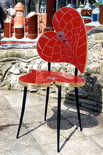 Ръчно изработен стол с мозайка Снимка: ernstfuchs-gallery.com