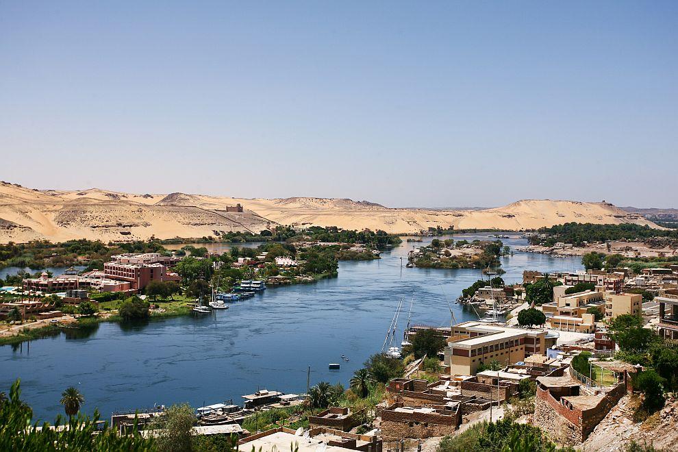 6 месеца затвор за египетска певица заради коментар за река Нил