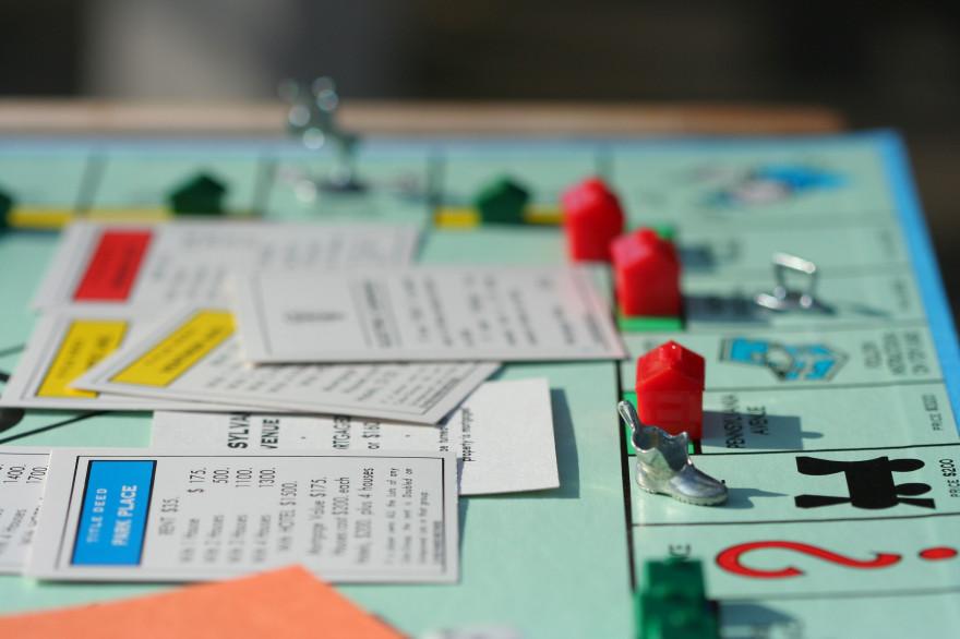 Monopolygame-5588594181_4e5fc121e9_o1-59d6e4269abed50011f4bd30