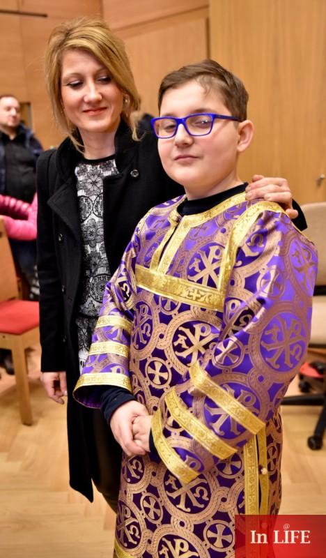 Иподякон Кристиян Любенов с майка си