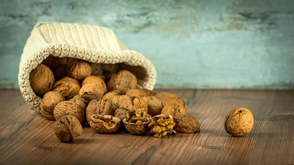 walnut-1213008_960_720
