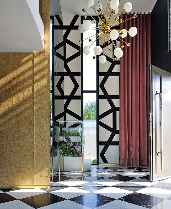 Клод Картие: холна стая