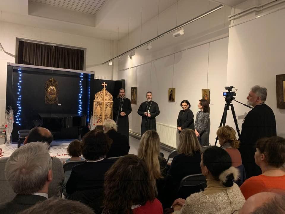 """Откриване на изложбата """"Радост и светлина"""" в Париж"""