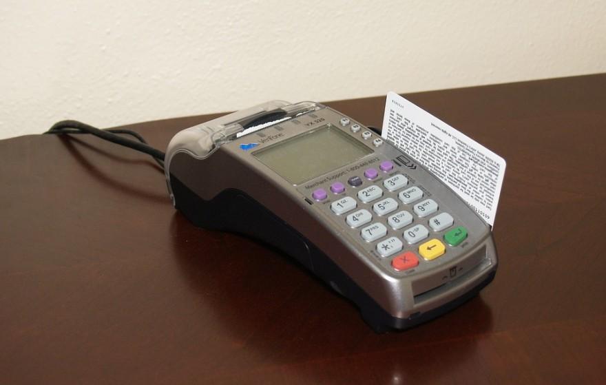 credit-card-machine-1776539_960_720