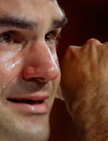 Роджър не успя да скрие сълзите си при въпроса на водещата.