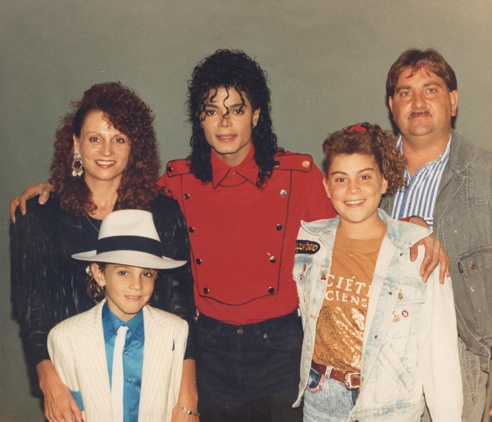 Майкъл Джексън със семейство Робсън.