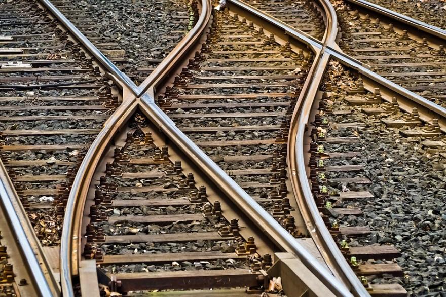 rails-3309912_960_720