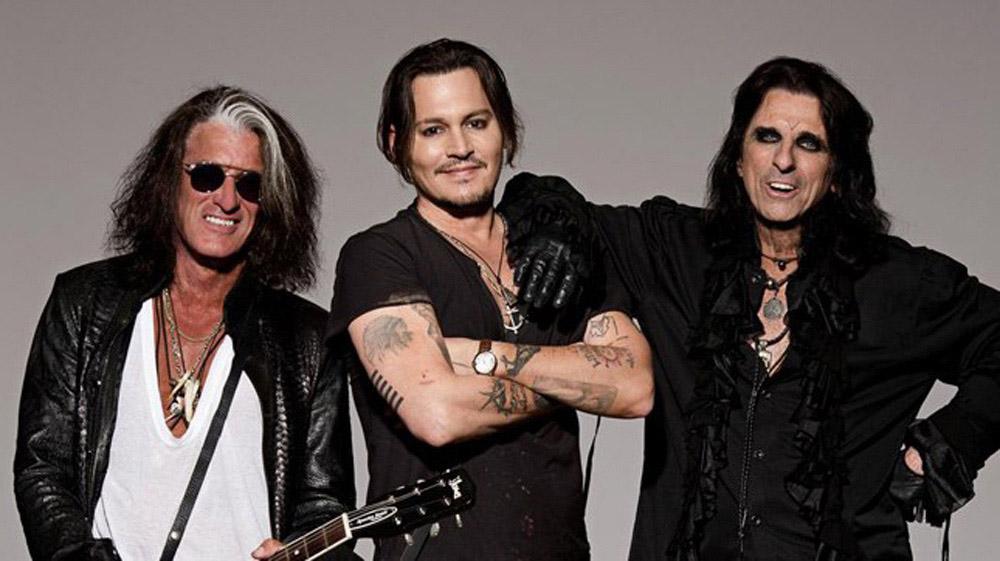 Джони Деп, Алис Купър и Джо Пери са рок бандата Холивудски вампири