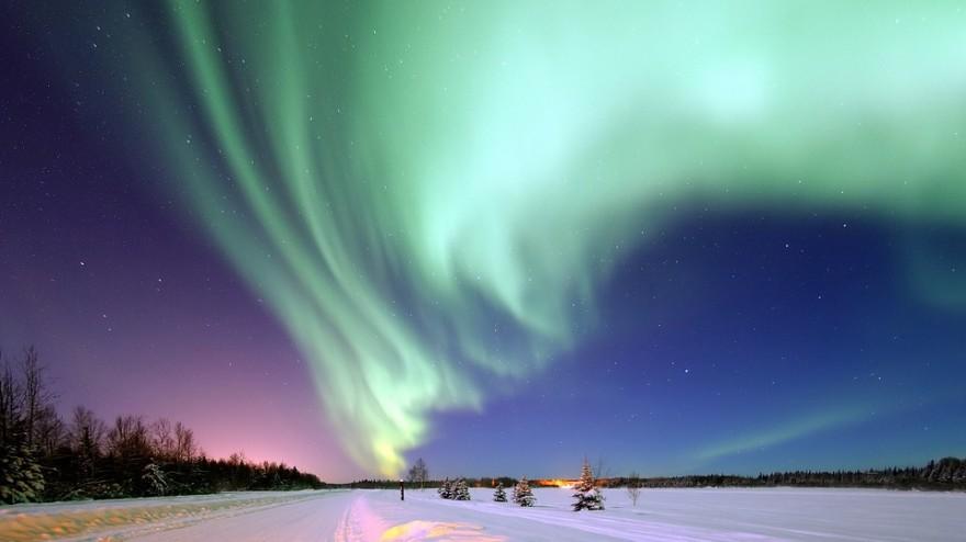 aurora-borealis-1181004_960_720-880x494