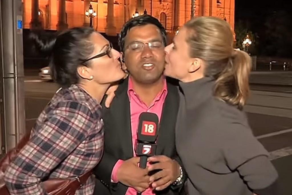 Целуни репортерите