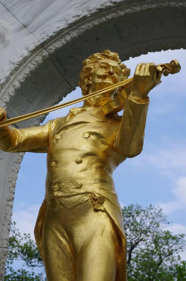 Паметникът на Щраус в Щатпарк Виена